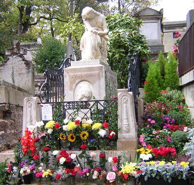 chopin grave.jpg